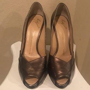"✨Peep toe ""Giuseppe Zanotti""heel- Size 38.5✨"